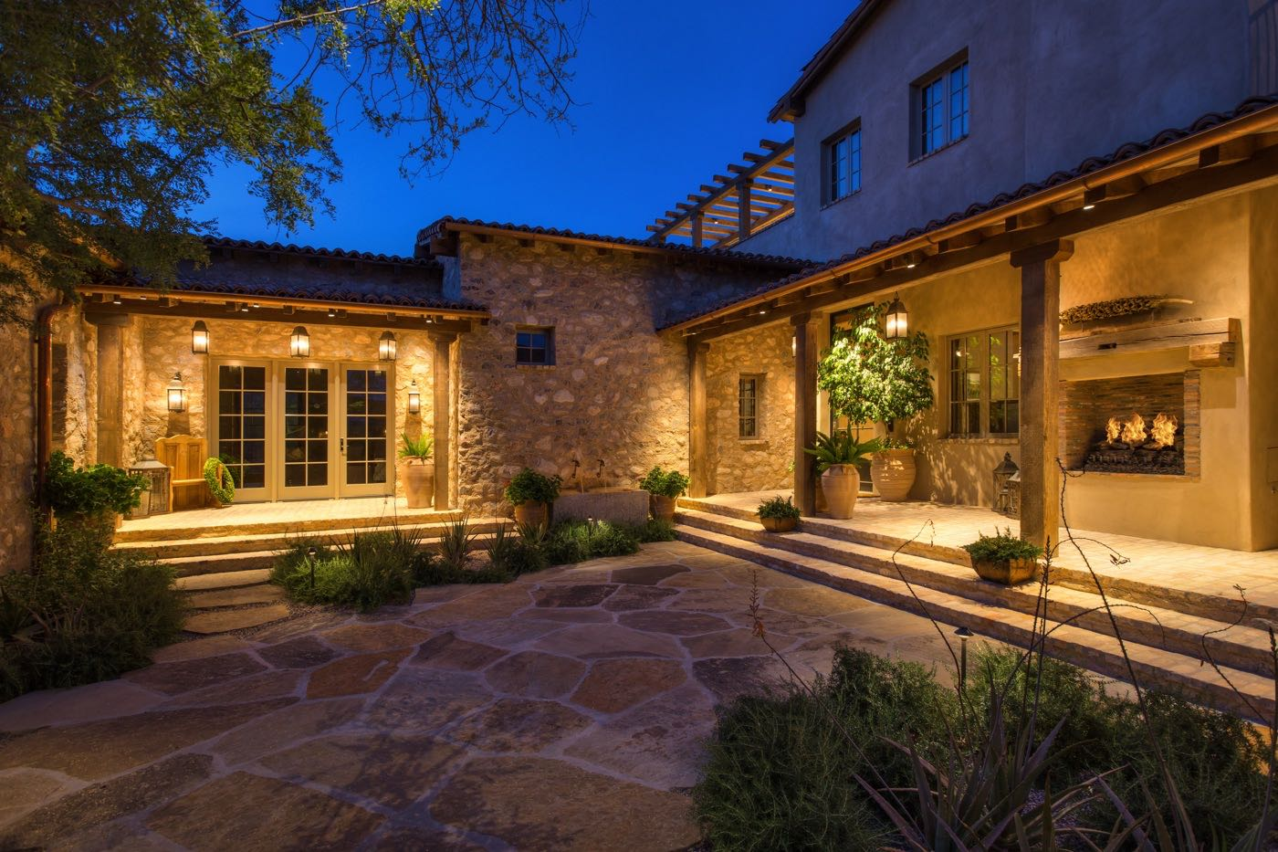 Silverleaf Scottsdale Luxury Custom Residence Spiral Architects Gene Kniaz Entry Courtyard